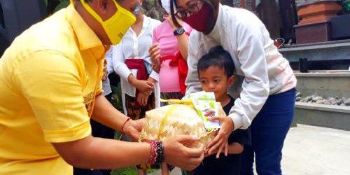 Tingkatkan Imun Tubuh Cegah Covid-19, Gus Adhi Kucurkan 1.000 Paket Ikan bagi Ibu Hamil dan Menyusui