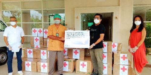 Jaringan Hotel AYANA dan Biznet Kolaborasi Donasikan APD ke RSPTN Udayana