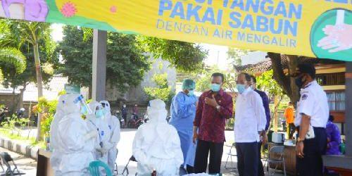 "Rapid Test Massal di Pasar Galiran, Sekda Dewa Indra: ""Pasar jadi klaster baru penyebaran covid-19"""