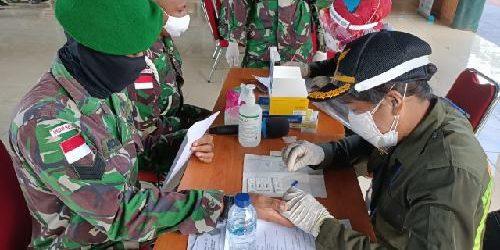 Cegah Penyebaran Covid-19, Personel Yonif MR 411/Pdw dan Yonif 406/CK Jalani Rapid Test