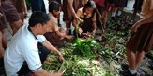 Program Sekolah Duta Lingkungan Hidup Ajarkan Siswa SD Olah Sampah jadi Kompos