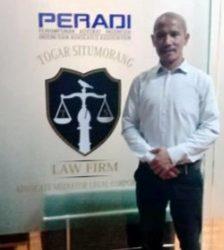 """Gabung di Law Firm Togar Situmorang, Frihardo Pasaribu Ingin Meraih Bintang bersama """"Panglima Hukum"""" Togar Situmorang"""