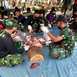 Idul Adha, Mabes TNI Sembelih 30 Ekor Hewan Kurban, Dibungkus dalam 2.250 Paket