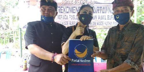Serahkan SK Rekomendasi Paket Bagus, Ketua DPW Nasdem Bali Instruksikan Kader Gaspol Menangkan Pilkada Bangli