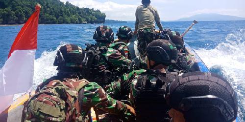 Pastikan Patok Negara di Titik Kordinat, TNI-Polri Patroli Gabungan di Perbatasan RI-PNG
