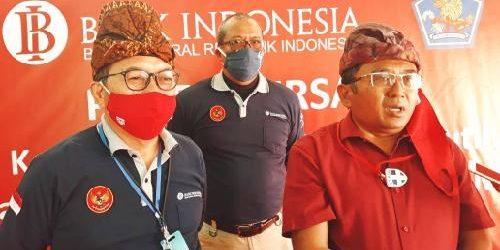 "Ikut Panen Perdana Bawang Putih di Kelompok Tani Manik Pertiwi, Rai Wirajaya: ""Dapat tingkatkan produksi dan posisi tawar petani"""
