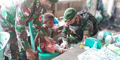 Akses Kesehatan Minim, Satgas Pamtas Yonif 413 Kostrad Beri Yankes kepada Warga Kampung Sangke