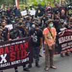 Ribuan Massa Demo di PN Denpasar Tuntut Sidang JRX SID Dilakukan Tatap Muka