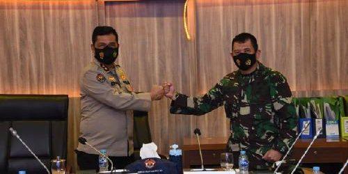"Kapuspen TNI Temui Kadiv Humas Mabes Polri, Mayjen TNI Achmad Riad: ""Sinergitas TNI-Polri tidak perlu diragukan lagi"""