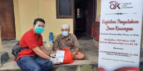 Bagikan Sembako di Karangasem, ARW, OJK dan DPN Peradah Edukasi Warga Tentang Stimulus OJK Hadapi Covid-19
