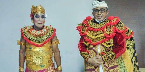 "Cawali Jayanegara ""Ngigel"" Topeng Keras, Wujud Calon Pemimpin Denpasar Komitmen Lestarikan Seni Budaya Bali"
