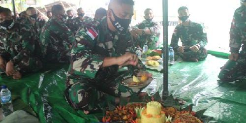 Dirgahayu ke-56, Satgas Pamtas Yonif 125/Simbisa Gelar Acara Syukuran di Tapal Batas