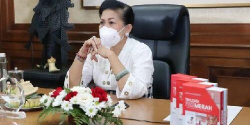Ny. Putri Suastini Koster Apresiasi Kiprah Dermaga Seni Buleleng