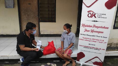 """Penyuluhan Jasa Keuangan Edukasi Masyarakat """"Door to Door"""" DPN JPN, ARW dan OJK Berlanjut di Kabupaten Klungkung"""