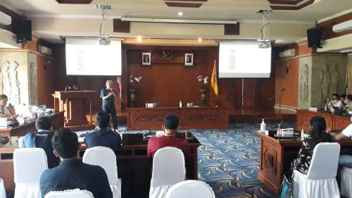 """SMSI Bali Memberi"", Latih Staf Humas Pemkot Tulis Berita Sesuai Kaidah Jurnalistik"