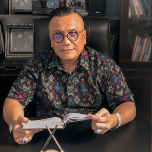 """Dukung SE 04/2021, Togar Situmorang: """"Ngiring ngangge Endek Bali"""""""