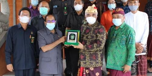 Kunjungan Ketua Pengadilan Tinggi ke MDA Bali, Samakan Persepsi dan Gerak Langkah Selesaikan Kasus Adat
