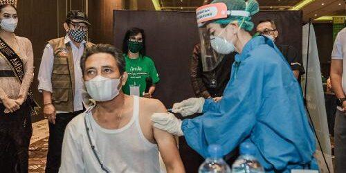Pulihkan Sektor Ekonomi Kreatif, 2.500 Pelaku Pariwisata Terima Vaksin Pertama