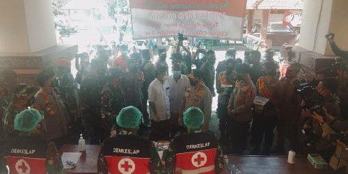 Di Pasar Badung, Panglima TNI dan Kapolri Ingatkan Warga Tidak Bosan Patuhi Prokes Cegah Covid-19