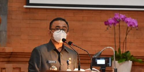 Pantun dari Mariyana Wandhira Tutup Pidato Perdana Wali Kota Jaya Negara