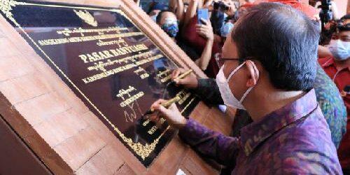 Resmikan Pasar Banyuasri, Gubernur Koster Siap Wujudkan Sistem Perekonomian Bali yang Kuat dan Seimbang