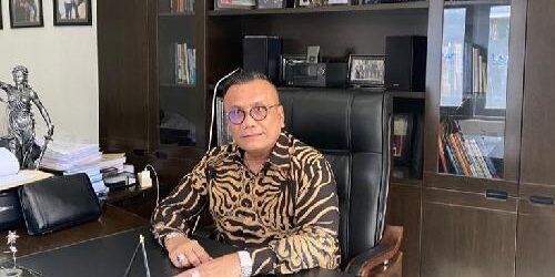 "Aksi Walk Out Terdakwa Rizieq Shihab di Sidang Perdana, Togar Situmorang: ""Tolong hargai hukum dan pengadilan"""