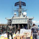 KRI AMY-351 Angkut 12 Ton Bantuan Kemanusiaan Bagi Korban Bencana Alam di NTT