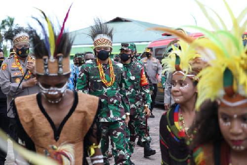 Temui Tokoh Lintas Agama di Papua, Panglima TNI Tegaskan TNI-Polri Kawal Umat Jalankan Ibadah