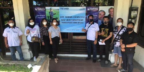 Menuju Herd Immunity, 75 Anggota Peradi Denpasar Jalani Vaksinasi Covid-19