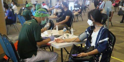 Vaksinasi Covid-19 Tahap 2 Bagi Ribuan Petugas Bandara Ngurah Rai