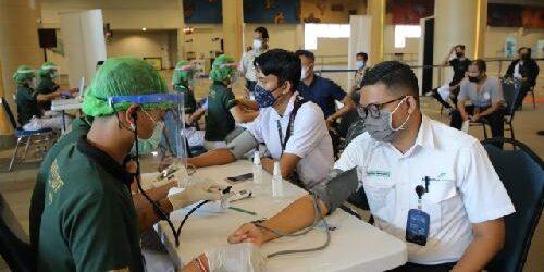 Tuntas! 5.600 Petugas Bandara Ngurah Rai Telah Jalani Vaksinasi Tahap I dan II