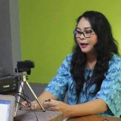 "Peran Ganda ""Kartini"" di Era Kekinian, Agek Parwati: ""Berkaryalah yang positif, tapi jangan abaikan peran utama sebagai ibu rumah tangga"""