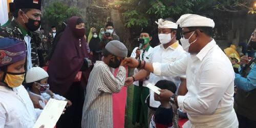 """Puluhan Anak Yatim Piatu dan Kaum Duafa Buka Puasa Bersama di Kediaman Gus Adhi """"Amatra"""""""