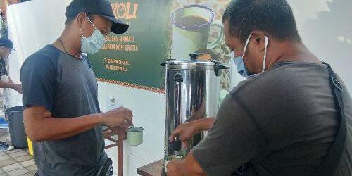 """Ngopi Gratis """"SEKOLI"""" ala Hardcoff, Owner Hardcoff: """"Kami sediakan 250 cangkir kopi dan pisang goreng"""""""