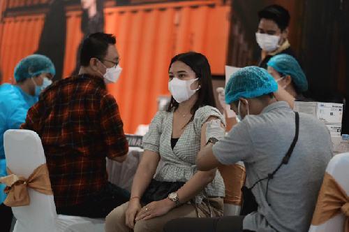 """Dibantu """"ADIK OJK"""", BI dan OJK Bali Lanjutkan Serbuan Vaksinasi di Denpasar Selama 2 Hari"""