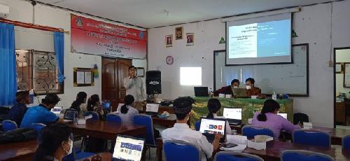 Dosen ITB STIKOM Bali Ajarkan Platform Media Pembelajaran Daring yang Interaktif bagi Guru SMAN 1 Blahbatuh