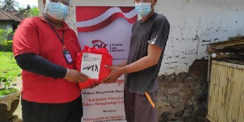 "Gandeng OJK dan ARW, Jiwatera ""Door to Door"" Bagikan Buku OJK RI Beri Edukasi Masyarakat Tentang Stimulus OJK"