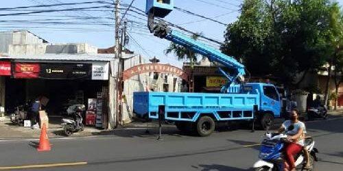 Rusak, Dishub Buleleng Gerak Cepat Perbaiki 436 Unit Lampu Penerangan Jalan