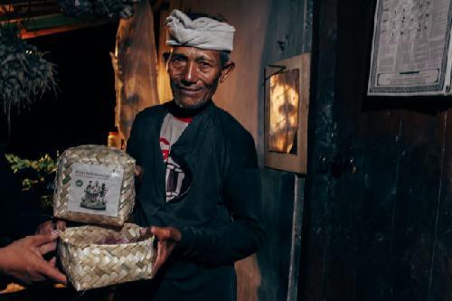 """""""Sepotong Daging Kurban Beri Pesan Persatuan"""", Dompet Dhuafa Bali Bagikan 1 Ton Daging Kurban kepada Umat Lintas Agama"""