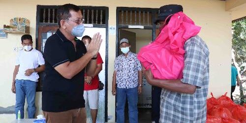 Nelayan di Bondalem Mengeluh Hasil Tangkapan Minim Pembeli, Pemkab Buleleng Bantu Paket Sembako