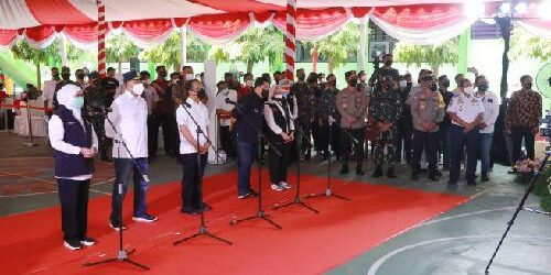 3 Menteri Kabinet Indonesia Maju Tinjau Vaksinasi di Kabupaten Bojonegoro