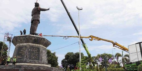 "Patung Bung Karno ""Berdiri"" Gagah di Taman BK Sukasada Buleleng"