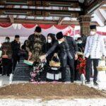 """Keluarga Besar SBY Antar Almarhumah Ibu Ageng ke Tempat Peristirahatan Terakhir, Selamat Jalan """"Pamonge Jagad"""""""
