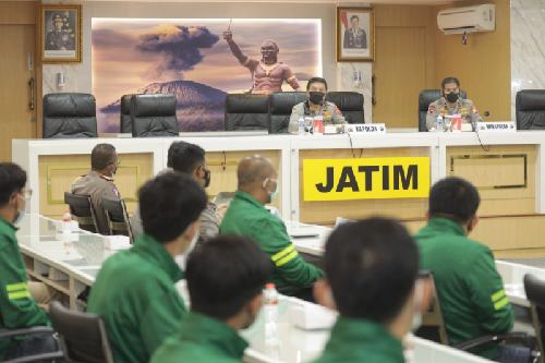 Irjen Pol. Nico Lepas Kontingen Voli Jatim PON XX Papua, Tim Voli Putri Siap Beri Kejutan