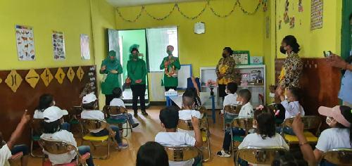 Kunjungan Persit KCK Daerah Cenderawasih ke Jayawijaya, Serahkan Tali Kasih kepada TK Kartika VI-8 dan Paud Kartika